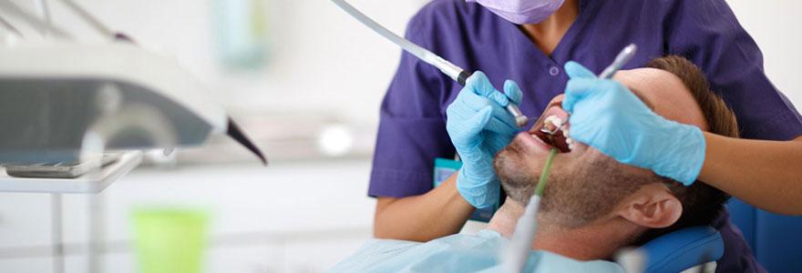 Soins dans une clinique dentaire en Moldavie
